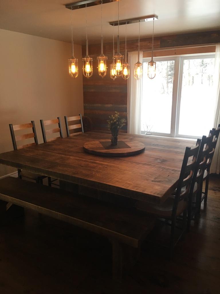 Table carr e bois de pin recycl table sur mesure bois massif - Table cuisine pin ...
