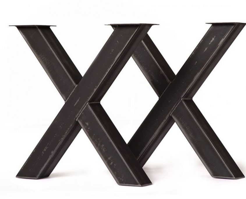 Patte de table de cuisine en metal brute de style industriel fabriquer sur mesure par l'ébénisterie de lanaudiere