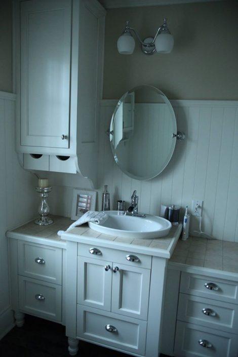 Vanité de salle de bain blanche en érable massif meuble fabriquer sur mesure par L'Ébénisterie de Lanaudière