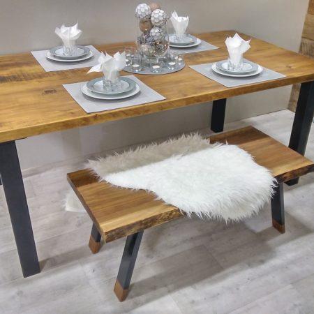 Table de cuisine rustika en bois métal sur mesure patte acier peint noir, plateau de table en pin massif rustique par L'Ébénisterie de Lanaudière