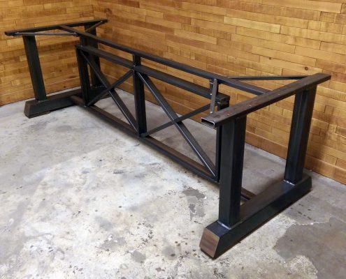 Base de table centrale en bois et métal avec insertion noyer noir fabriquer sur mesure ebenisterie lanaudiere