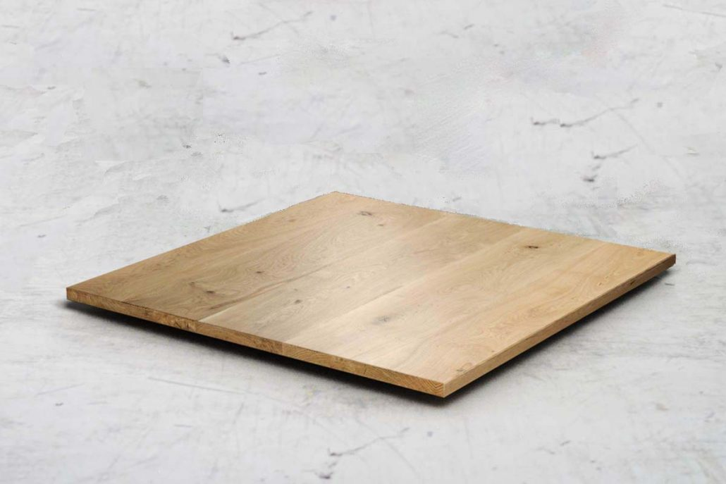 Plateau de table en chêne carré en bois massif sur mesure fabriquer par par l'ébénisterie de Lanaudière au quebec